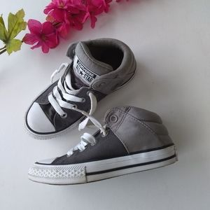 Kids Gray Converse Chuck Taylor Shoes Size 12